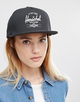 Herschel Snapback Logo Cap in Black