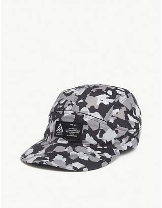 Nike ACG Tailwind camouflage visor cap