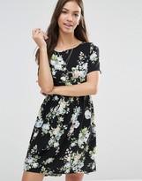 Vero Moda Easy Printed Short Sleeve Skater Dress