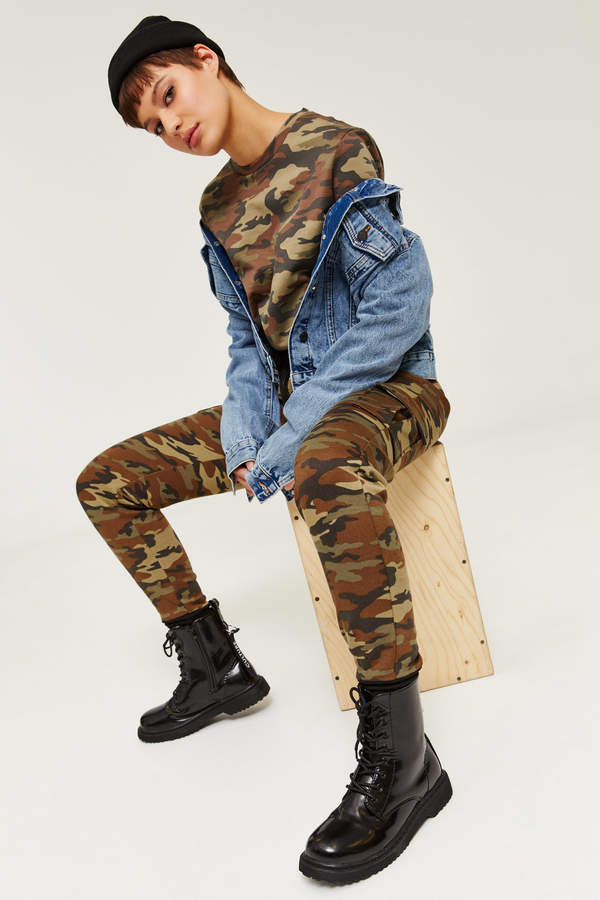 Camouflage Crop Cargo Sweatshirt - Clothing |