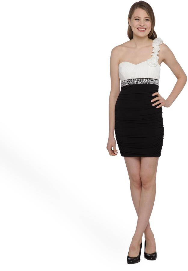 City Triangles Junior's One Shoulder Party Dress