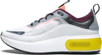 Nike Womens Air Max DIA SE QS Shoes - Size 6W