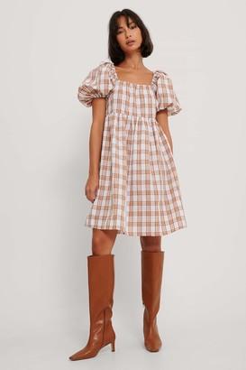 NA-KD Square Neck Seersucker Dress
