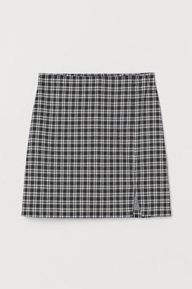 H&M Short Slit-hem Skirt - Black