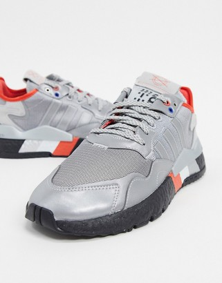 adidas Nite Joggers trainers in silver