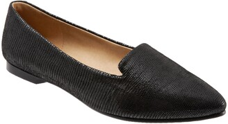 Trotters Harlowe Pointed Toe Loafer