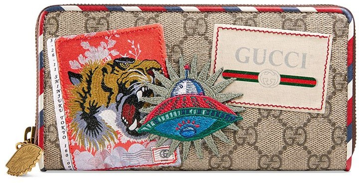 Gucci Courrier GG Supreme zip around wallet