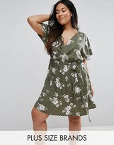 New Look Plus Floral Wrap Dress
