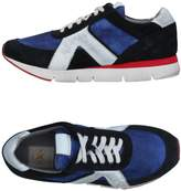 O.x.s. Low-tops & sneakers - Item 11339231