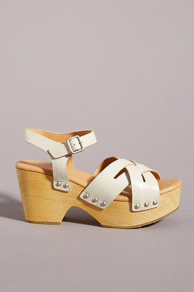 Kork-Ease Woven Clog Sandals By in White Size 6