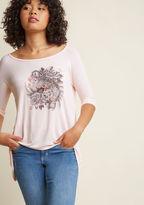 ModCloth Tiger Team Graphic T-Shirt in S - Short Sleeve Regular Waist