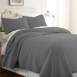 IENJOY HOME Becky Cameron Premium Ultra Soft Herring Pattern Quilted Coverlet Set,