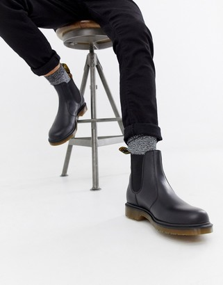 Dr. Martens 2976 chelsea boots in all black