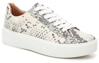 Steve Madden Hanly Platform Sneaker