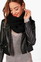 boohoo Amy Chunky Knitted Snood