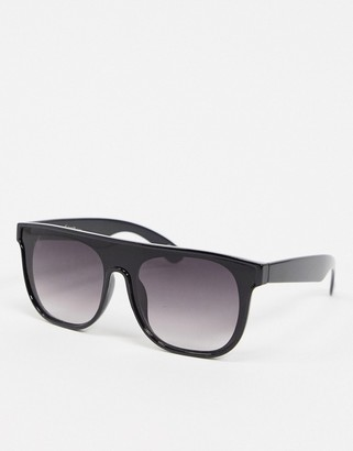 Jeepers Peepers flat brow sunglasses in black