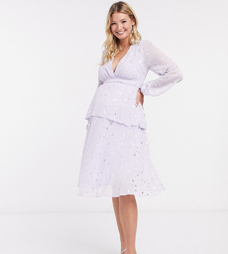 Queen Bee Maternity plunge front tiered midaxi dress with belt in lilac star print