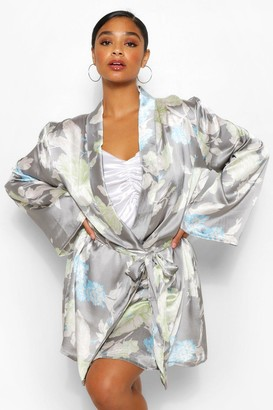 boohoo Plus Satin Floral dressing gown