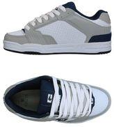 Globe Low-tops & sneakers