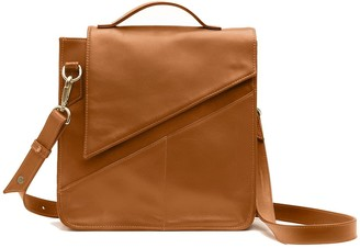 Holly & Tanager Wanderer Leather Crossbody Purse In Caramel