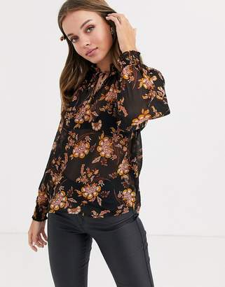 New Look frill edge top in floral print-Brown