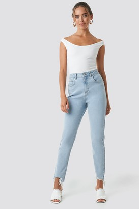 NA-KD High Waist Ripped Ankle Mom Jeans