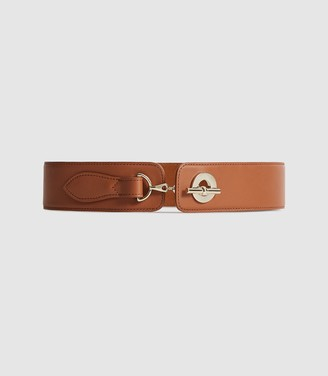 Reiss Lavinia - Leather Chain Clasp Waist Belt in Tan