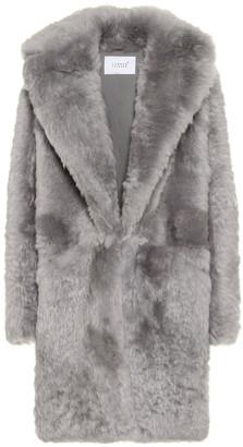 Common Leisure Dream shearling coat