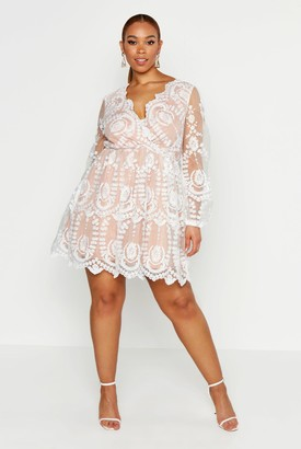 boohoo Plus Lace Plunge Skater Dress