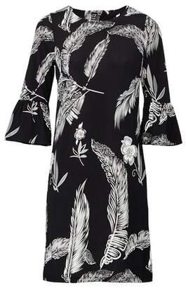 Dorothy Perkins Womens *Izabel London Black Leaf Print Shift Dress, Black