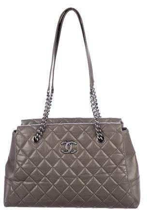 15567e566479 Chanel Gray Tote Bags - ShopStyle
