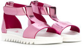 Armani Junior logo open toe sandals - kids - Leather/rubber - 21