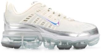Nike metallic detail platform trainers