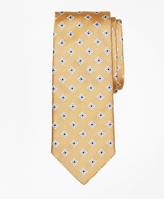 Brooks Brothers Four-Petal Medallion Tie