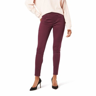Signature by Levi Strauss & Co. Gold Label Signature by Levi Strauss & Co Women's Totally Shaping Pull-On Skinny Jean