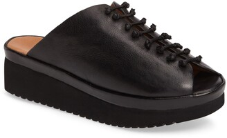 L'Amour des Pieds Arienne Wedge Platform Sandal