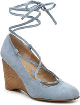 Adrienne Vittadini Women's Smily Wedge Pump -Nude