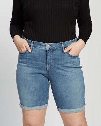 Levi's Curve - Women's Blue Denim - Shaping Bermuda Shorts - Size 22 at The Iconic