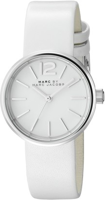 Marc by Marc Jacobs Women's MBM1367 Analog Display Analog Quartz White Watch
