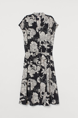 H&M Tie-belt Satin Dress