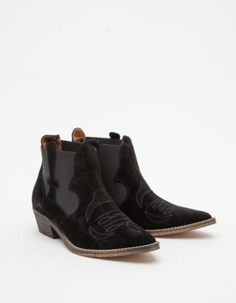 Cowboy Boot in Black