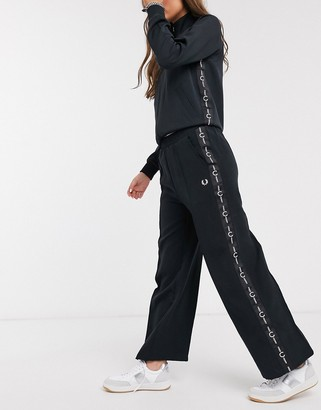 Fred Perry taped wide leg pant in black