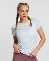 Under Armour Qualifier ISO-CHILL Embossed Short Sleeve Tee - Women's