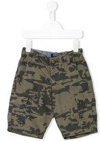 Woolrich Kids camouflage print Bermuda shorts