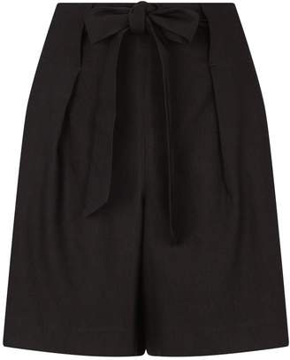 St. John Tie Front Shorts