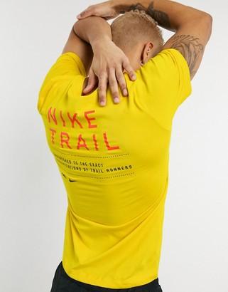 Nike Running trail t-shirt in yellow