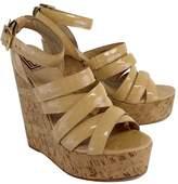 Pour La Victoire Nude Patent Leather Sandal Wedges