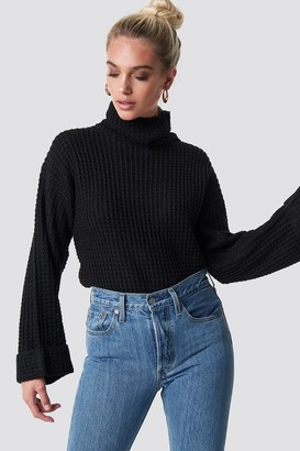 NA-KD Short Pineapple Knitted Sweater Black