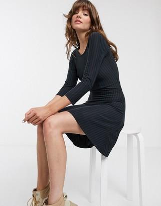 Only Caro Niella long sleeve skater dress-Black