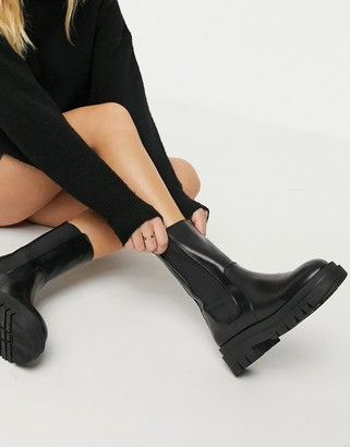 Pimkie chunky pull on chelsea boots with back tab in black